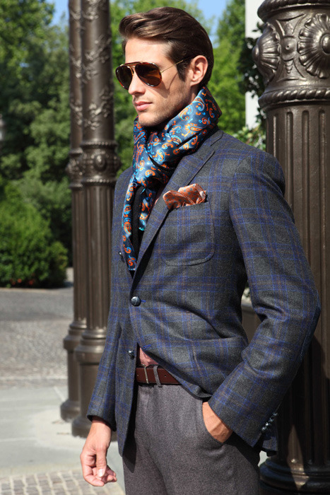 6 Ways Men Can Wear A Scarf
