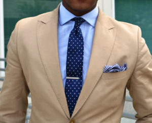 Patterned Tie On Solid Dress Shirt