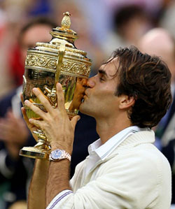 Roger Federer Wearing A Rolex When Lifting Wimbledon 2012 Trophy